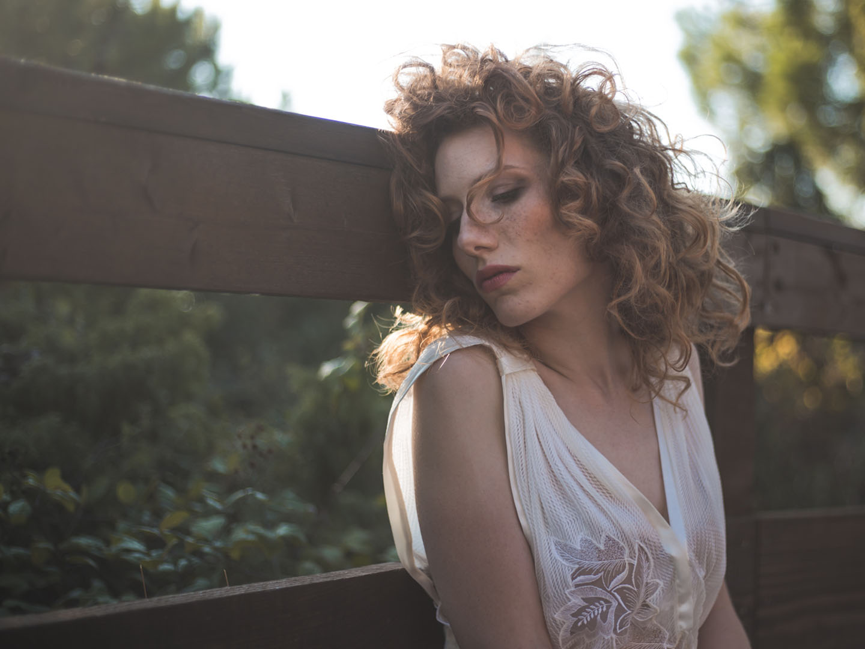 Categories: Fashion Glamour Portrait; Ph. MATTEO BONAZZI; Model: ANNA TOMASI; Location: PORTO CALERI (ROSOLINA – RO)