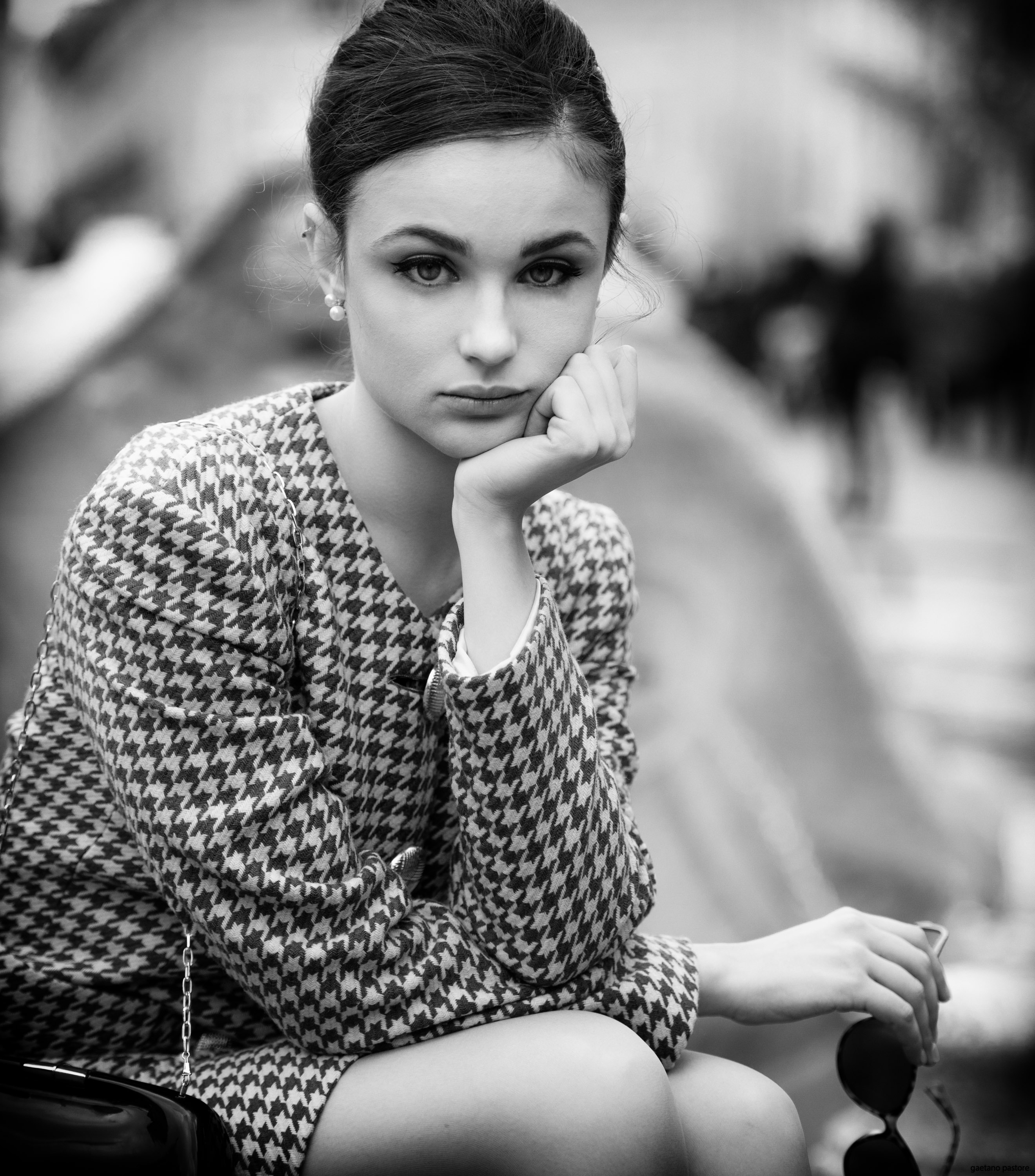 Categories: Fashion, Portrait; Photo: GAETANO PASTORE; Model: CORA GASPAROTTI; Mua: GIULIA PENNA; Outfit: GAI MATTIOLO; Location: Piazza di Spagna – ROMA (RM)