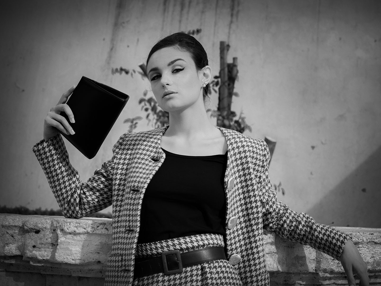 Categories: Fashion, Portrait; Photo: GAETANO PASTORE; Model: CORA GASPAROTTI; Mua: GIULIA PENNA; Outfit: GAI MATTIOLO; Location: Piazza di Spagna – ROMA (RM)