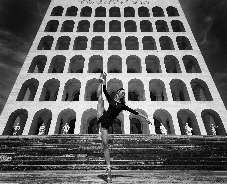 Categories: Portrait, Sport; Ph. GAETANO PASTORE; Model: SIRIA RENZI; Location: EUR Roma