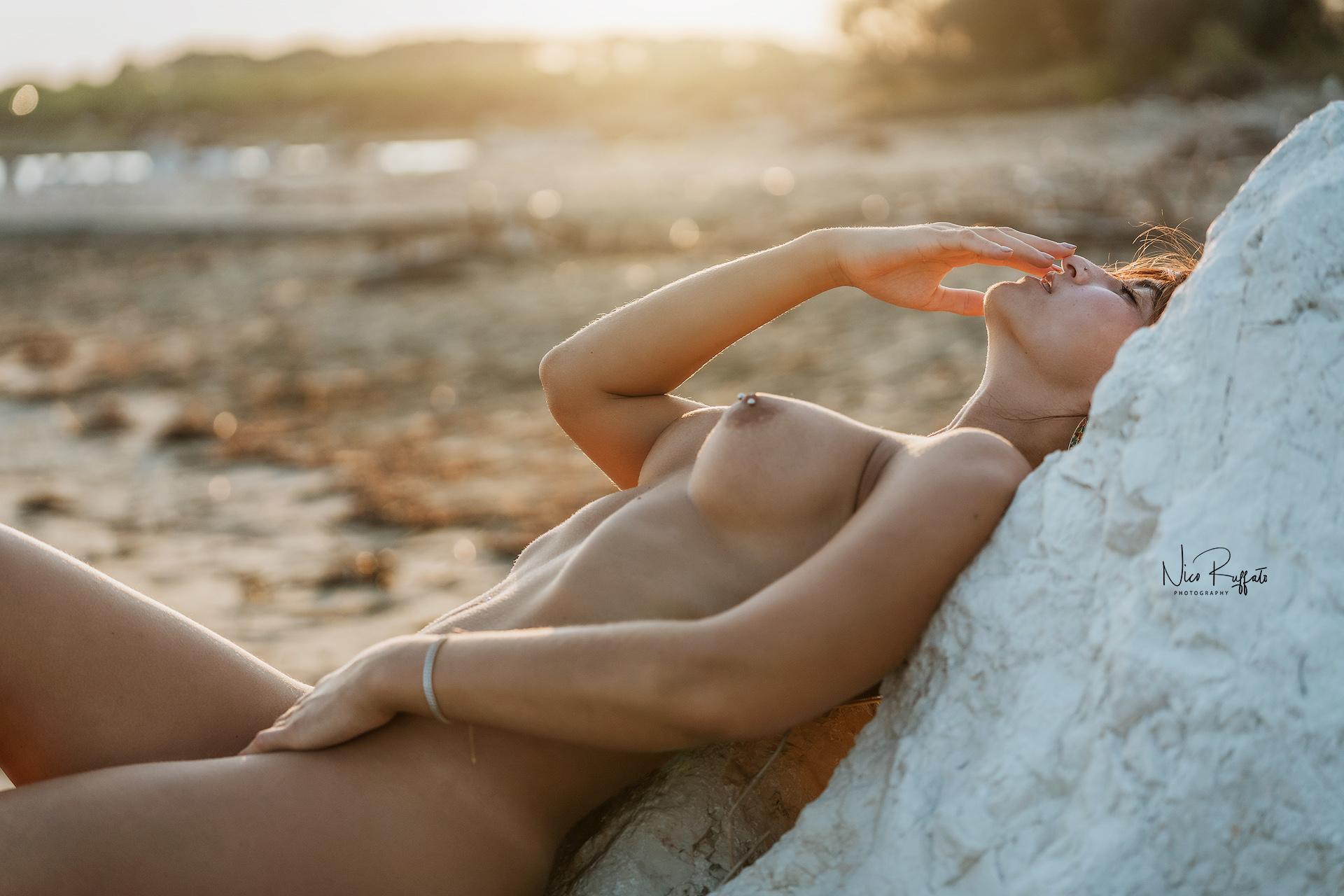 Categories: Boudoir & Nude, Glamour Portrait; Photo: NICO RUFFATO; Model: REGINA LEOPARDI; Location: Jesolo, VE
