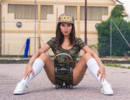 DESY SKATE GIRL