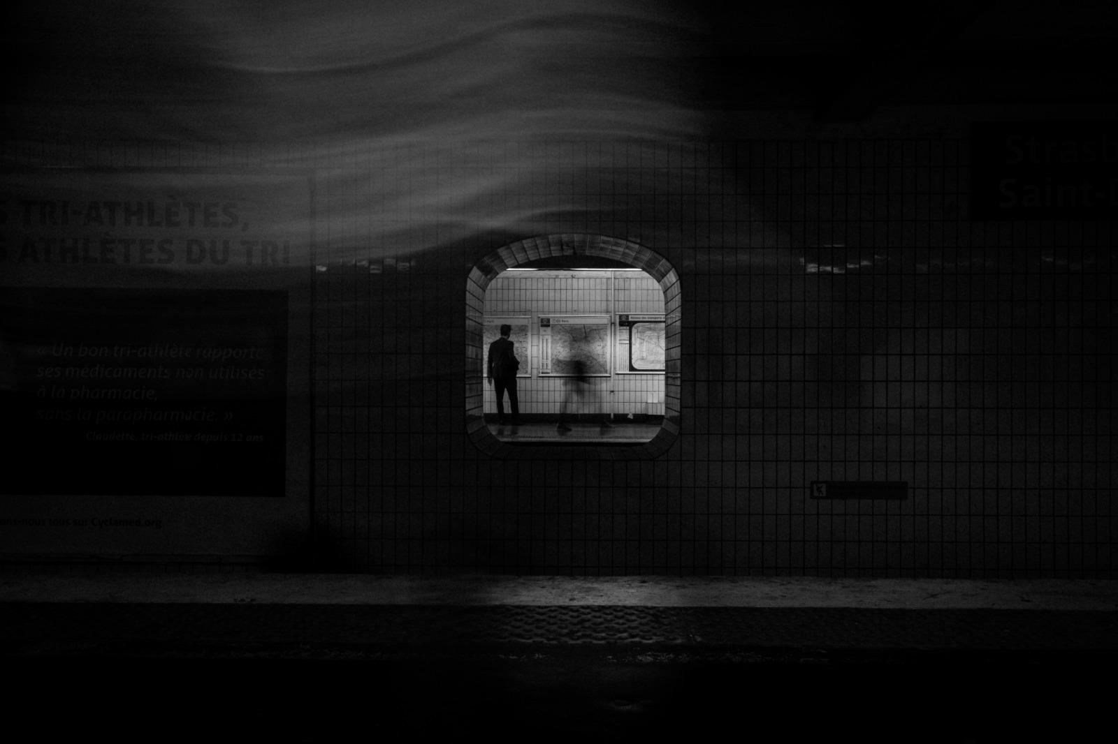 Categorie: Reportage, Street; Photo: SKAMIL; Location: Parigi, Francia
