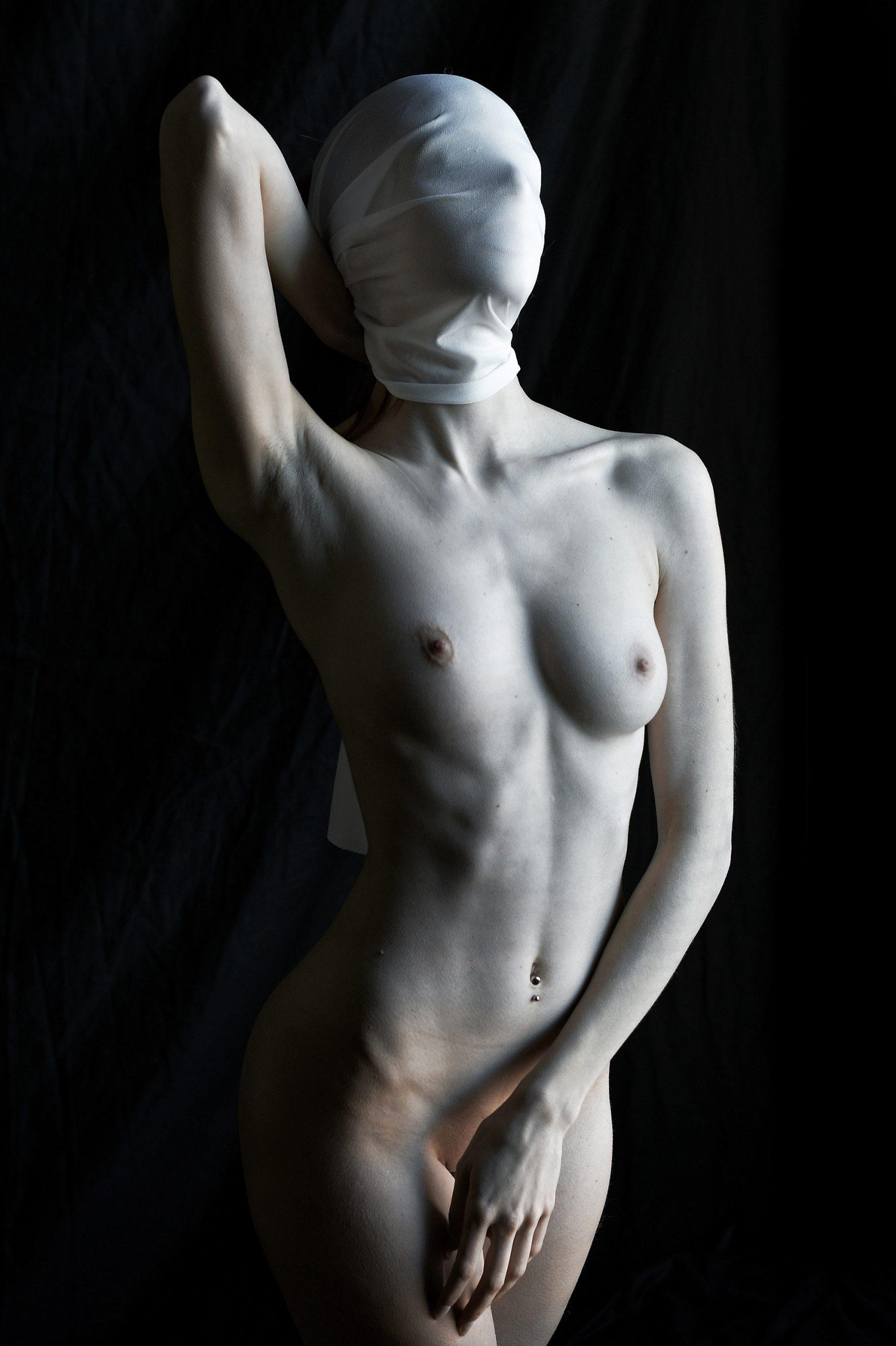 Categorie: Boudoir & Nude, Fine Art, Glamour, Portrait; Photographer: GIUSEPPE MAZZAROLO; Location: Venezia (VE)