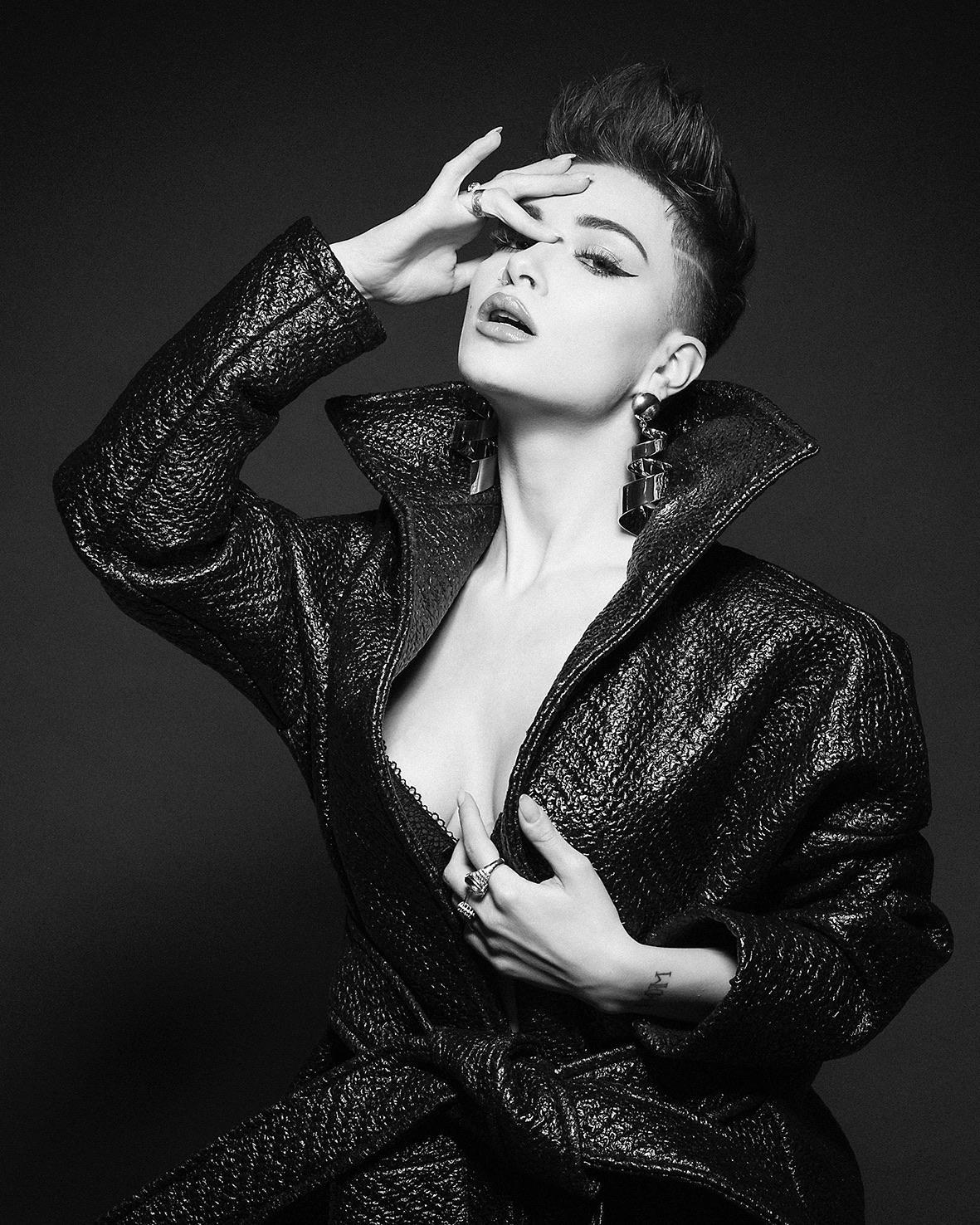 Categorie: Fashion, Glamour, Portrait; Photographer: LEONE RECH DALDOSSO; Art Director: PAOLA PECORARI; Model: MARIA SOCCORSA LAFORGE; Location: Brescia, BS, Italia