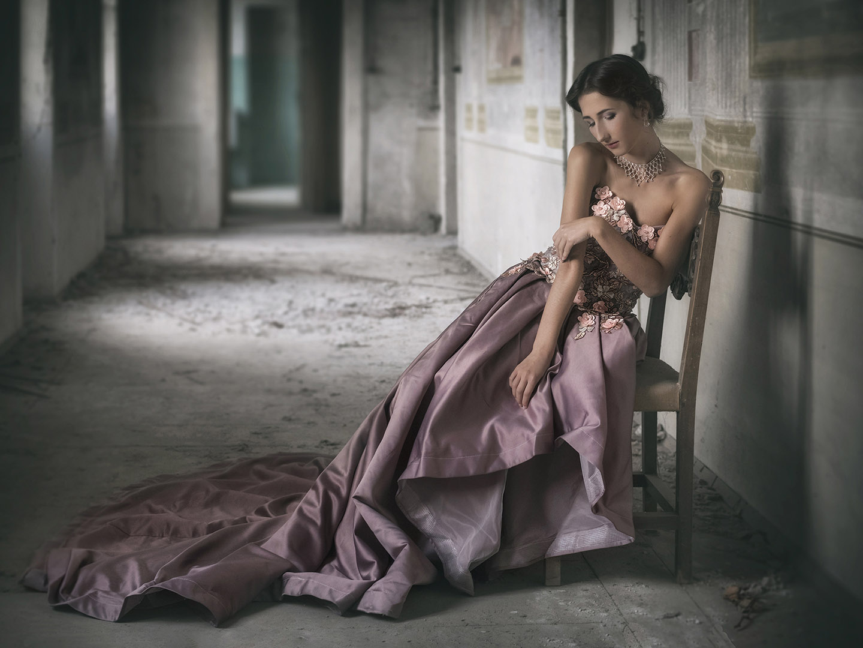 Categorie: Fine Art, Portrait; Photographer: SALVATORE MONTEMAGNO; Model: GIULIA SCHIAVO; Location: Verona, VR, Italia